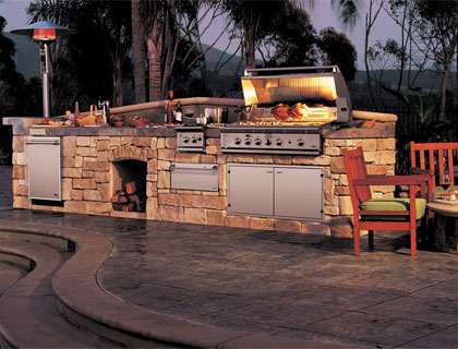 Outdoor Kitchen Lifestyle Image